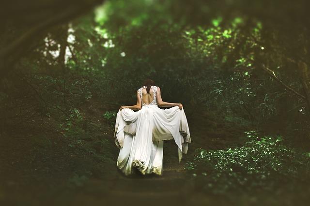 Sukienki wieczorowe na wesele